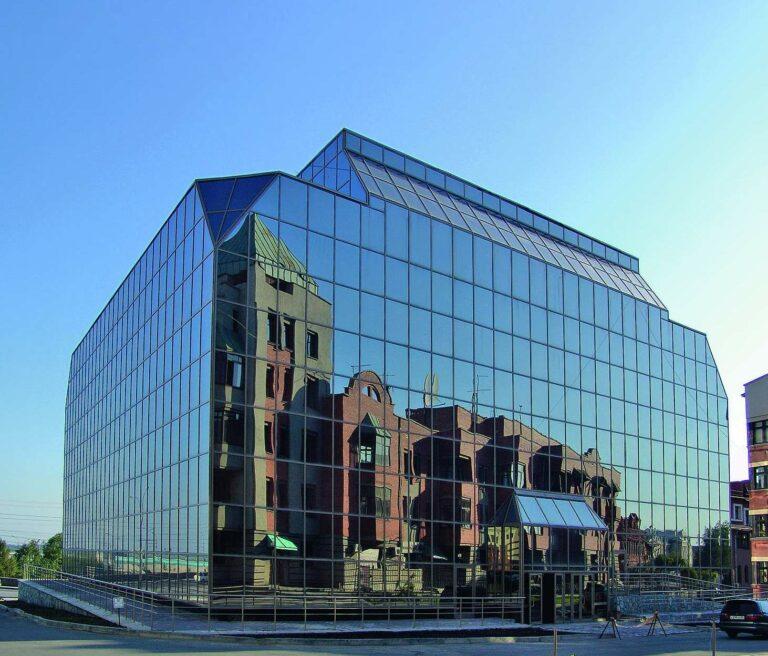Сонцезахисні архітектурні дзеркальні плівки UltraVision 1